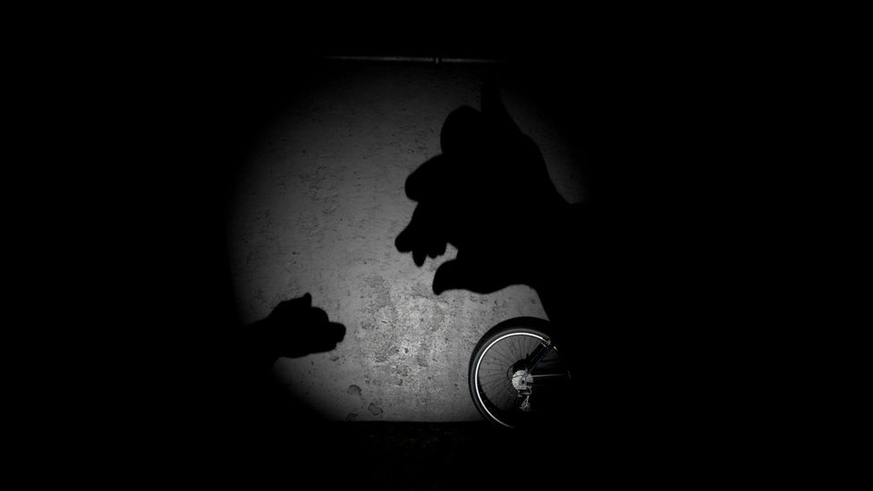 The VR short story Giant starts with with shadow puppets on a wall... (Credit: Milica Zec/Winslow Porter)