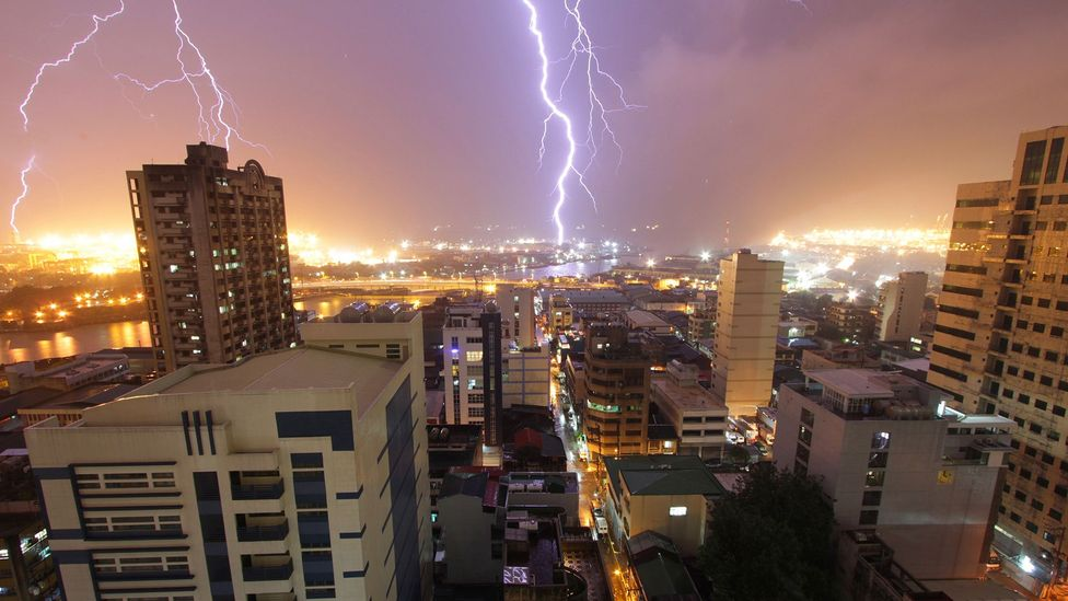 Roughly 100 lightning bolts strike the Earth every second (Credit: Raizel Kiong/ Flickr)