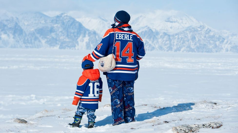 Team support often takes on a deep emotional significance in Pond Inlet (Credit: Eric Guth)