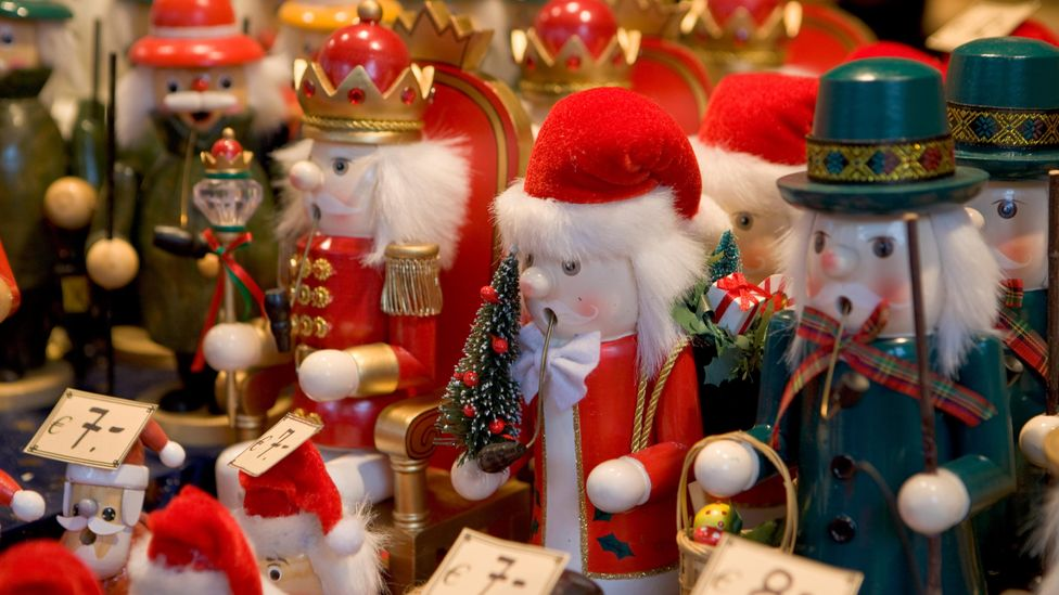 The last few years, holiday sales have been weak, prompting aggressive efforts to compete for limited consumer spending (Credit: Alamy)