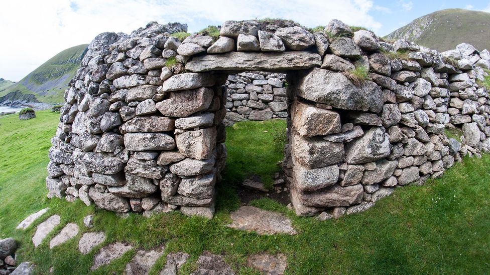 Built in the 1830s, St Kilda's blackhouses would have been smelly, dirty – and ingenious (Credit: Amanda Ruggeri)