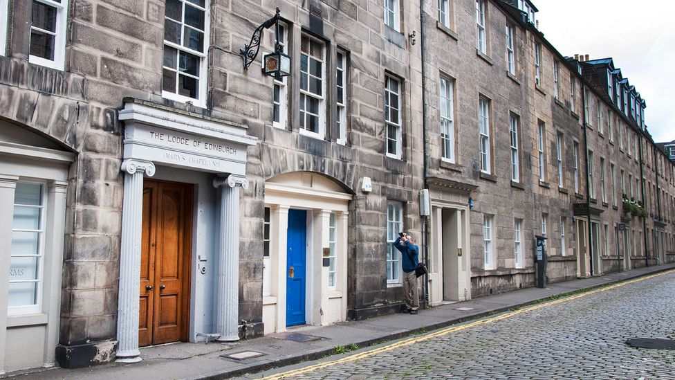 Tranquil and historic, Edinburgh's Hill Street attracts few tourists (Credit: Amanda Ruggeri)