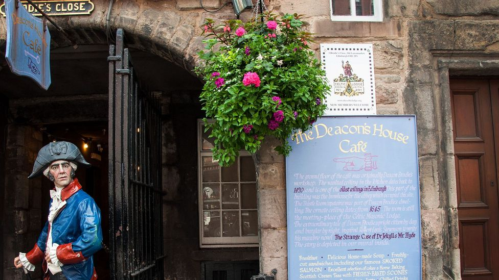 Hidden in plain sight on Brodie's Close off of Edinburgh's Royal Mile, the Celtic Lodge of Edinburgh and Leith No. 291 was founded in 1821 (Credit: Amanda Ruggeri)