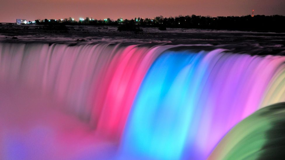Niagara Falls' colourful new look - BBC Travel