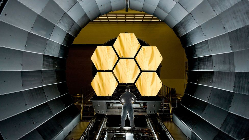 """The James Webb Space Telescope may be able to find other """"dark suns"""" out in the cosmos (Credit: Science Photo Library)"""