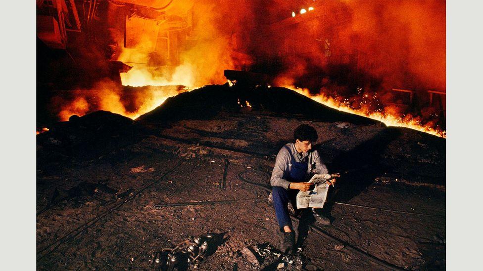 MKS Steelworks, Serbia, Yugoslavia, 1989 (Credit: Steve McCurry/Magnum Photos)