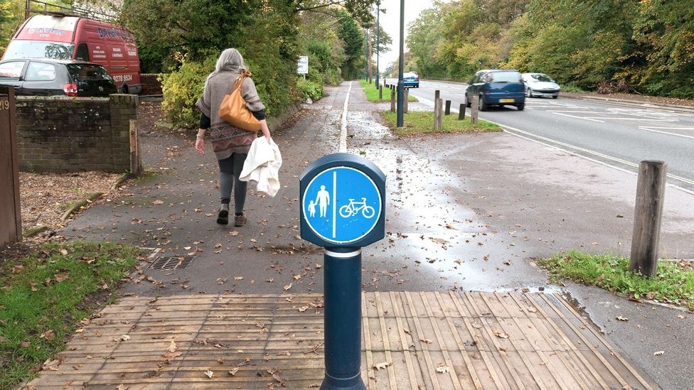 On the side for cyclists, raised lines go in the direction of travel; on the side for pedestrians, they are perpendicular instead (Credit: Alamy)
