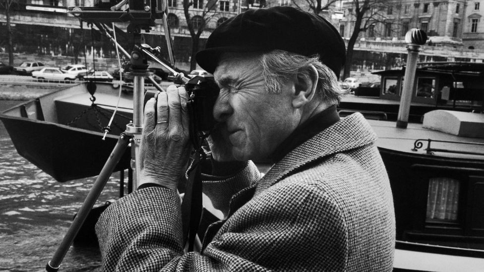Doisneau loved to wander the streets of Paris; he was fascinated by its grandeur and myriad small pleasures (Credit: Getty Images)