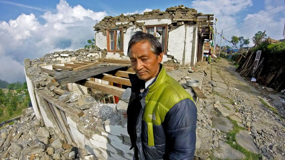 Maila and Dawa Jangbo Lama lost their home when an earthquake struck Nepal in April 2015 (Credit: Amrit Sharma)