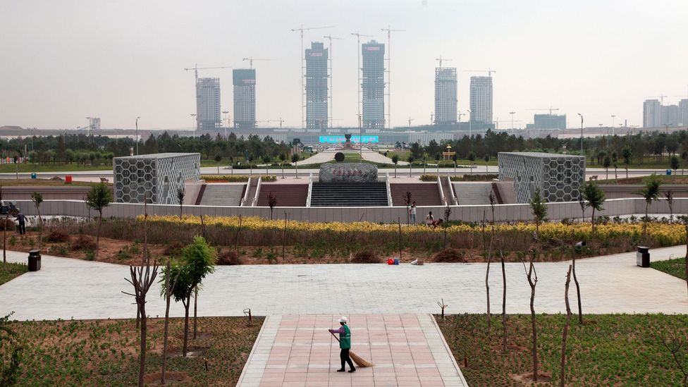 In China's ghost cities, apartment blocks, shopping complexes, plazas and parkland lie empty (Credit: Getty Images)