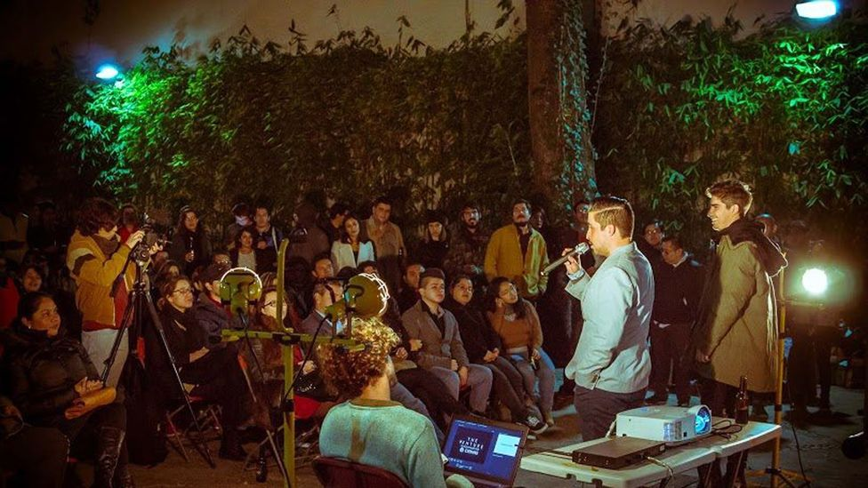 The events, meant to dissect failures, are held all over the world, like this outdoor session in Mexico City (Credit: Farhid Mendoza)