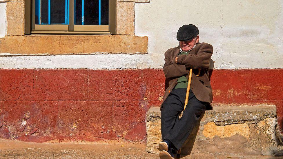 Changing the workday would threaten Spaniards' customary siesta (Credit: Ignacio Perez Diez/Getty)