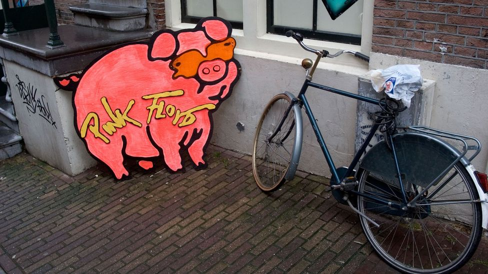 As shown by this Amsterdam street scene, pigs continue to be a stand-in for Pink Floyd (Credit: Alamy)