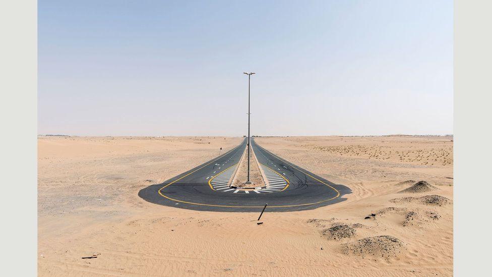A desert road in Dubai, 20 September 2016 (Credit: Nick Hannes)