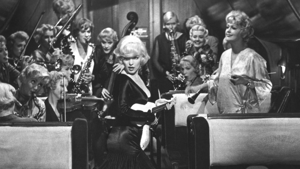 The pair join a female jazz orchestra, Sweet Sue's Society Syncopators, in order to hide out in a Florida hotel for three weeks (Credit: Alamy)