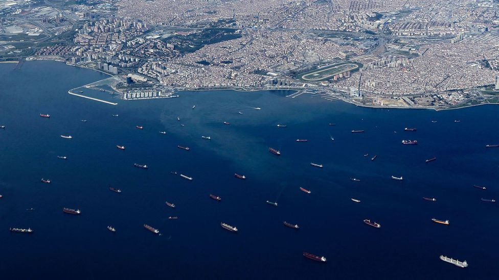 In Istanbul's Bosphorus strait, ship traffic is tightly controlled to help prevent collisions (Credit: Getty Images)