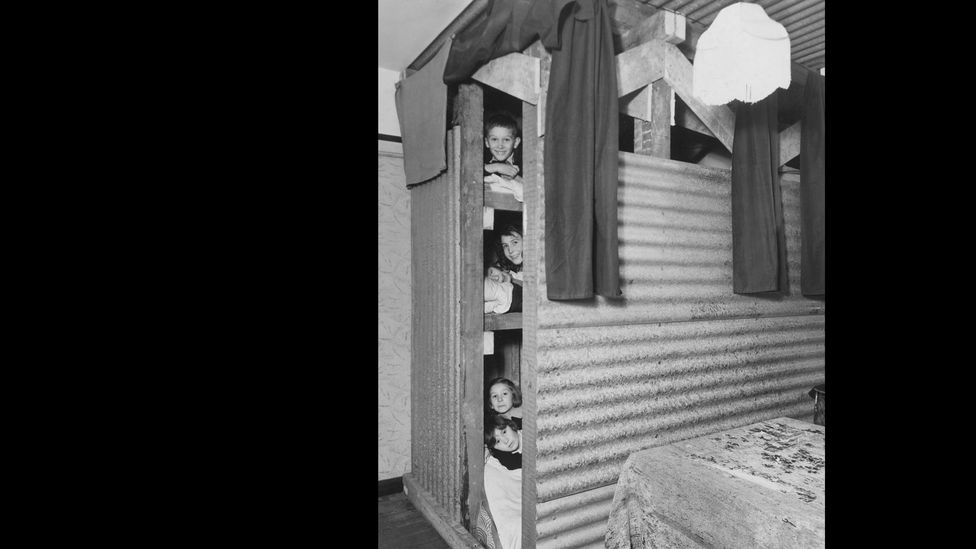 Children in Blitz bomb shelter (Credit: Getty Images)