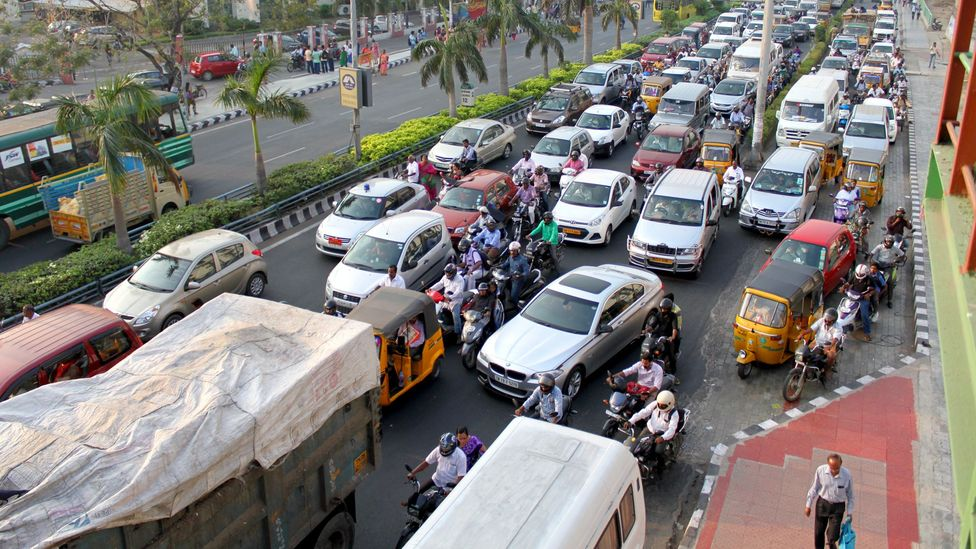 India's streets are infamous for being chaotic - a hallmark for bustling overcrowded cities that could benefit from smart city technology (Credit: Edd Gent)