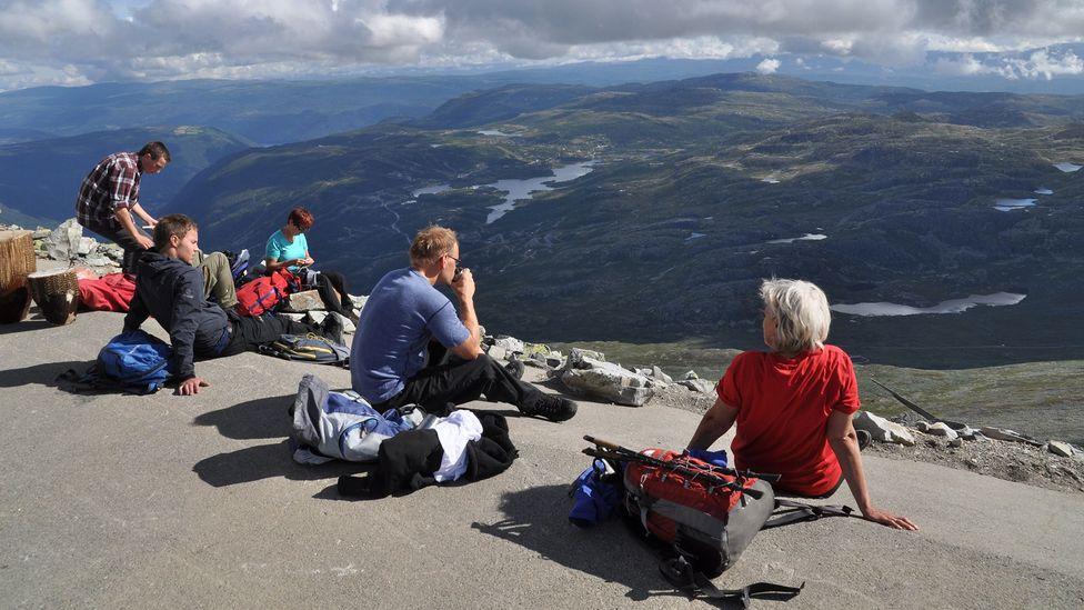 Foreign hikers are angering Norwegians by leaving behind garbage (Credit: Ingunn B. Haslekaas/Getty Images)