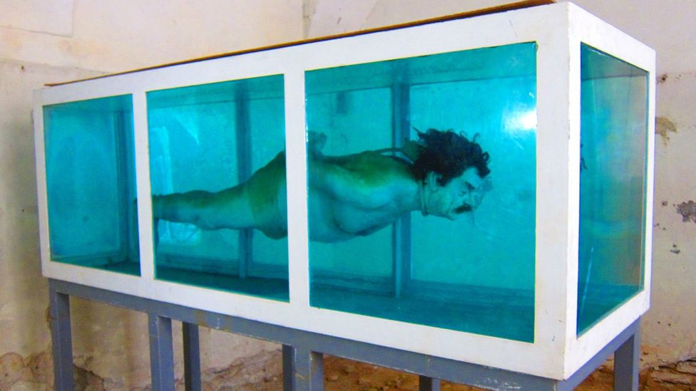 David Černý, Shark, 2005 (Credit: David Černý)