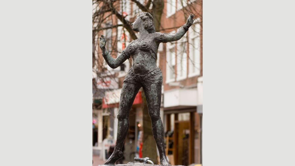 This statue of Mata Hari stands in Leeuwarden today – she's become a symbol of female empowerment and agency for many (Credit: Alamy)