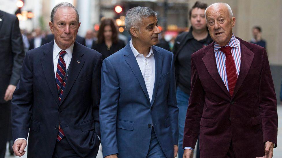 Michael Bloomberg, Sadiq Khan and Norman Foster explore the public spaces surrounding the building (Credit: Jason Alden)
