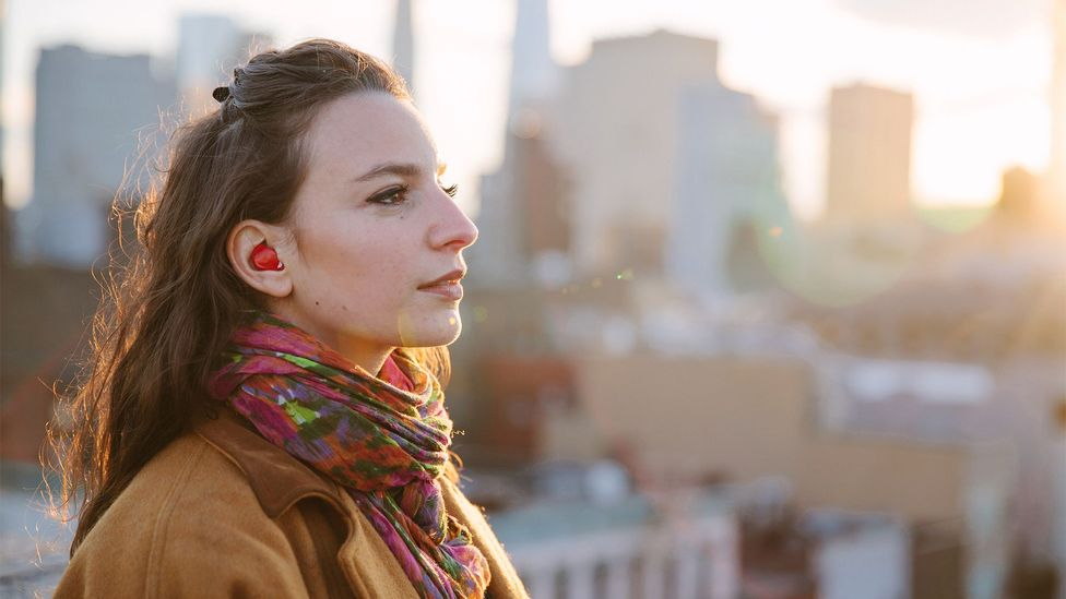 While it is full of clever technology, the earpiece is designed to sit discreetly in the ear (Credit: Waverly Labs)
