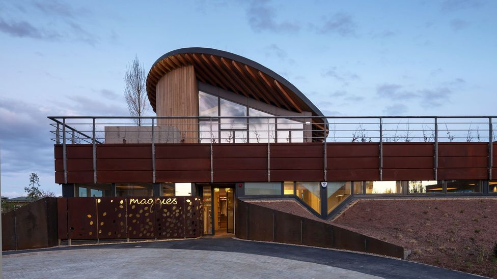 Maggie's Centre, Newcastle was designed by architect Cullinan Studio, the interior was created by David Wallace, and the art adviser was Mara-Helen Wood.