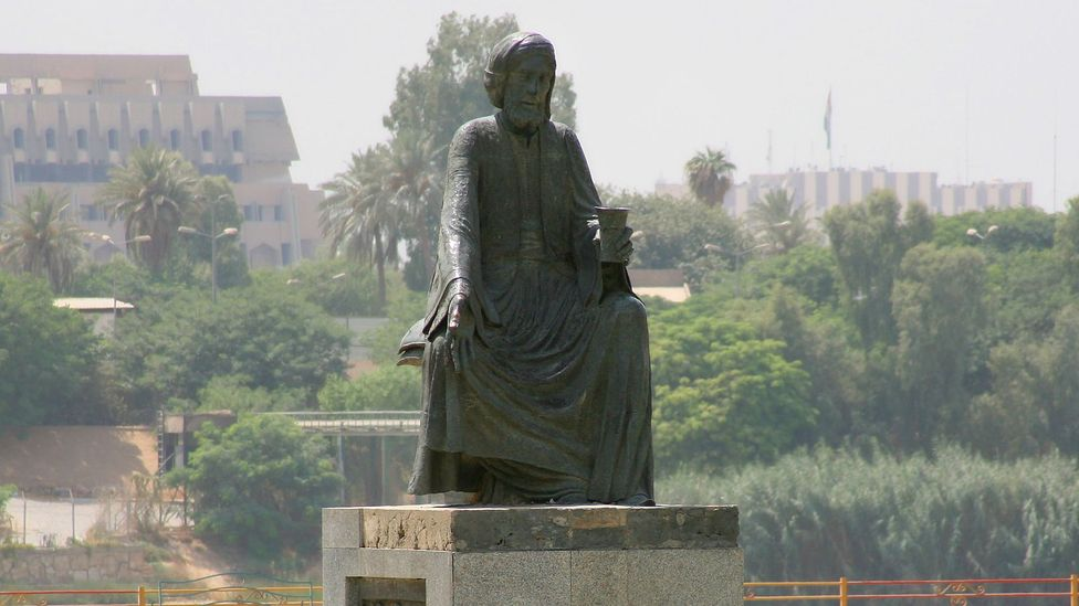 Abu Nuwas is a household name in the Middle East - here's a statue dedicated to him in Baghdad. (Credit: Getty Images)