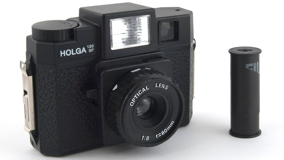 The Holga was about as rudimentary as could be; light could leak in from all manner of gaps in the back, leaving streaks across a negative (Credit: Bilby/Wikimedia Commons CC 3.0)