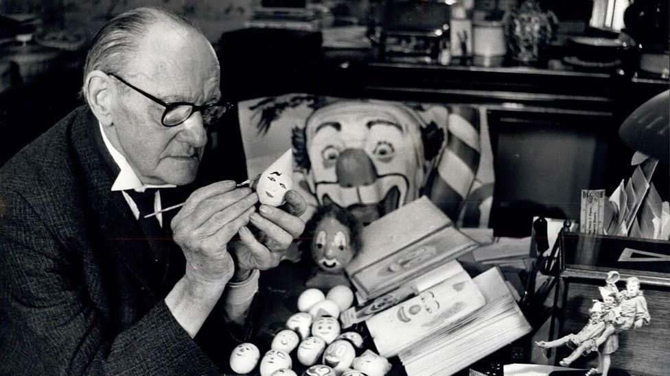 Stan Bult is regarded as the father of clown painting (Credit: Clowns International)