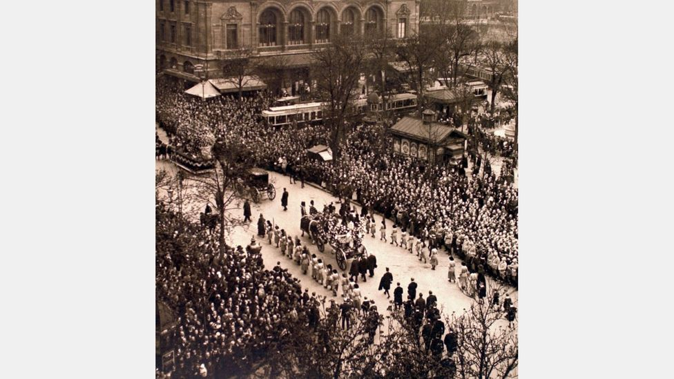 More than 30,000 people attended her funeral in Paris on 29 March 1923 (Credit: Alamy)