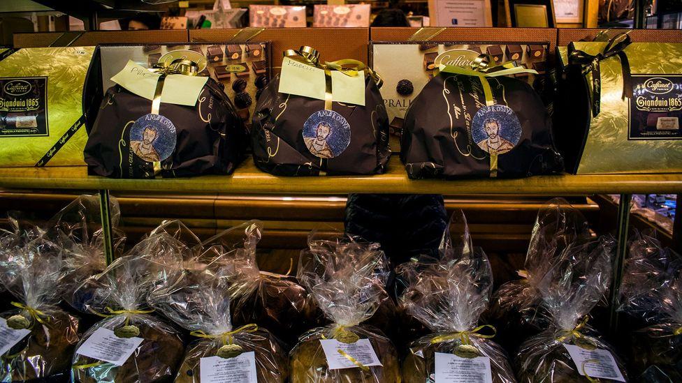 Panettoni awaiting their owners (Credit: Amanda Ruggeri)