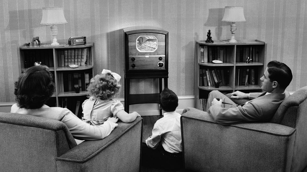 The 1940s and 50s brought entertainment into the living room, with new technology making it the lively hub of the modern home (Credit: Getty Images)