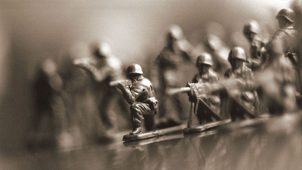 Row of toy soldiers (Credit: Alamy)