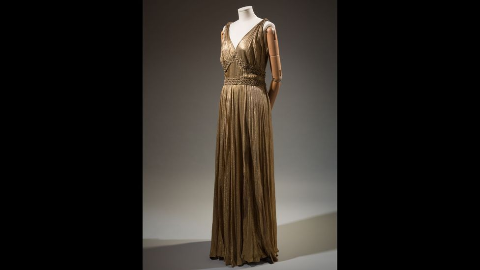 A metallic dress by the House of Paquin has a waist measurement of 31 inches, proving that some designers were catering to larger sizes (Credit: The Museum at FIT)
