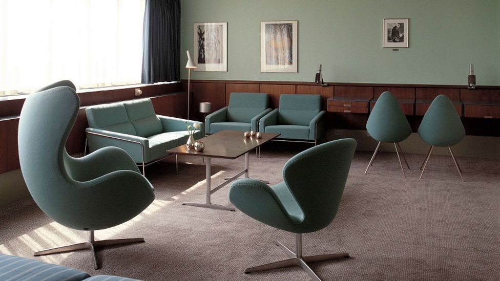 Room 606 of the hotel has been preserved intact since the 1960s, complete with Jacobsen's Egg and Swan chairs in the 'modern garden' green hue (Credit: Fritz Hansen)