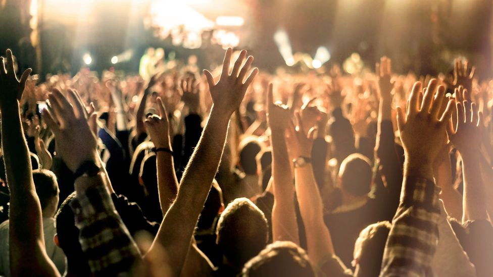 The logic of moshpit behaviour keeps fans from being trampled at music gigs (Credit: Getty Images)