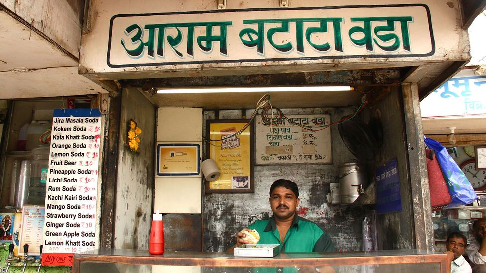 Every vendor claims to have a secret recipe or a special ingredient that makes his vada pav unique (Credit: Charukesi Ramadurai)