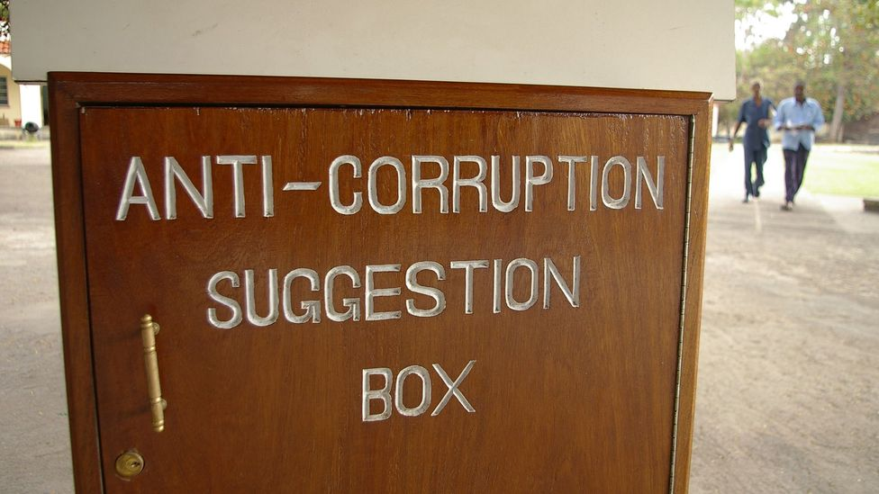 In Kenya, which has high levels of public sector corruption, game players initially gave less generously to an anonymous stranger (Credit: Getty Images)