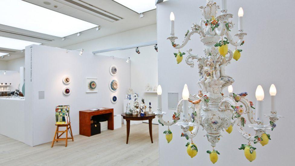 Chris Antemann subverts traditional 18th-Century porcelain in her piece Lemon Chandelier (Credit: Chris Antemann/Cynthia Corbett Gallery)