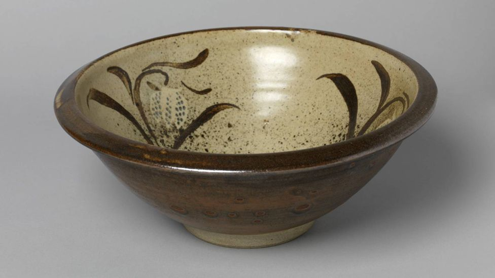 Bernard Leach was an early pioneer of modernist pottery, he designed this fruit bowl in 1955 (Credit: Tate)