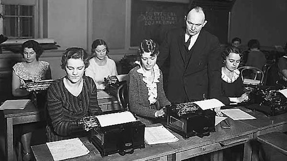 Dr. August Dvorak teaches a class of typists his new Simplified Keyboard Layout (Credit: PEMCO Webster & Stevens Collection, Museum of History & Industry, Seattle)
