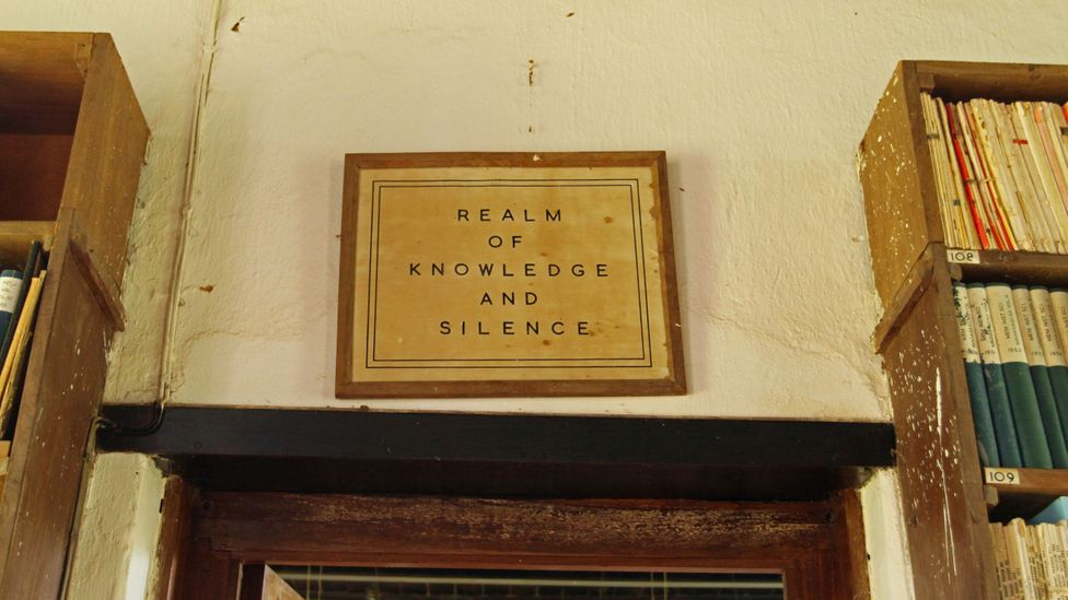 A sign asks for quiet in the Amani library (Credit: Rachel Nuwer)