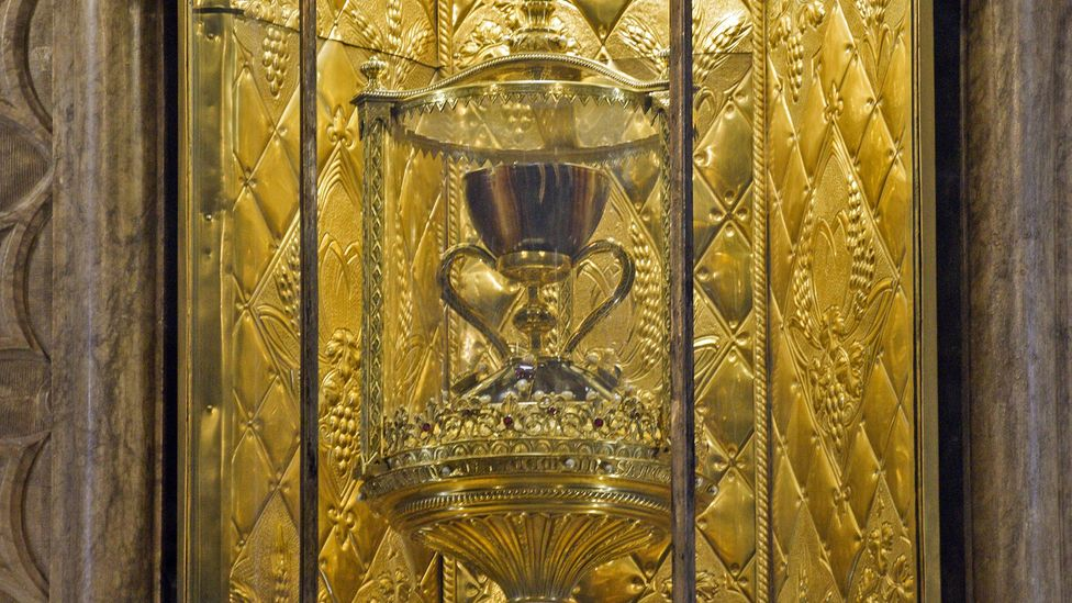 The chalice is carved from agate and features large gold handles and a base inlaid with precious gems (Credit: Quinn Hargitai)