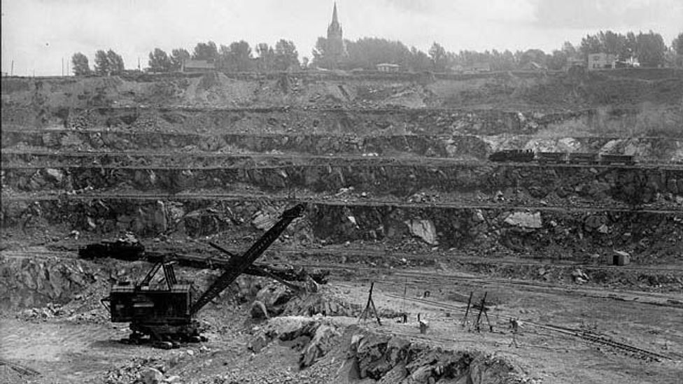 At its height the Jeffrey Mine in Asbestos supplied around half of the world's supply of the controversial mineral (Credit: Harry Rowed/Wikipedia Commons)