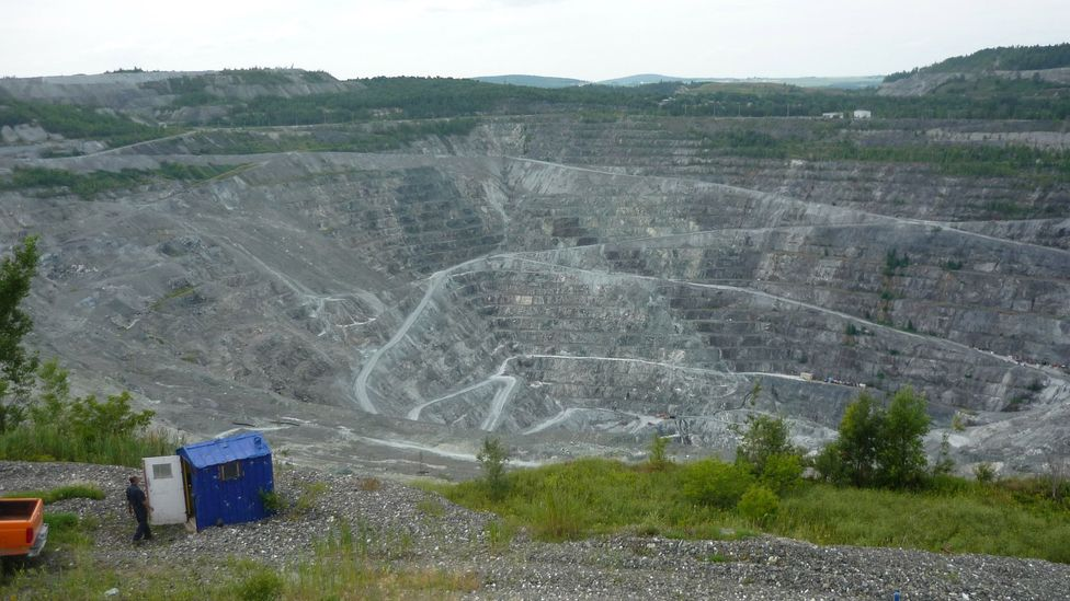 More than a century of mining in Asbestos has left a huge scar on the towns landscape (Credit Cjp24/Wikipedia Commons)