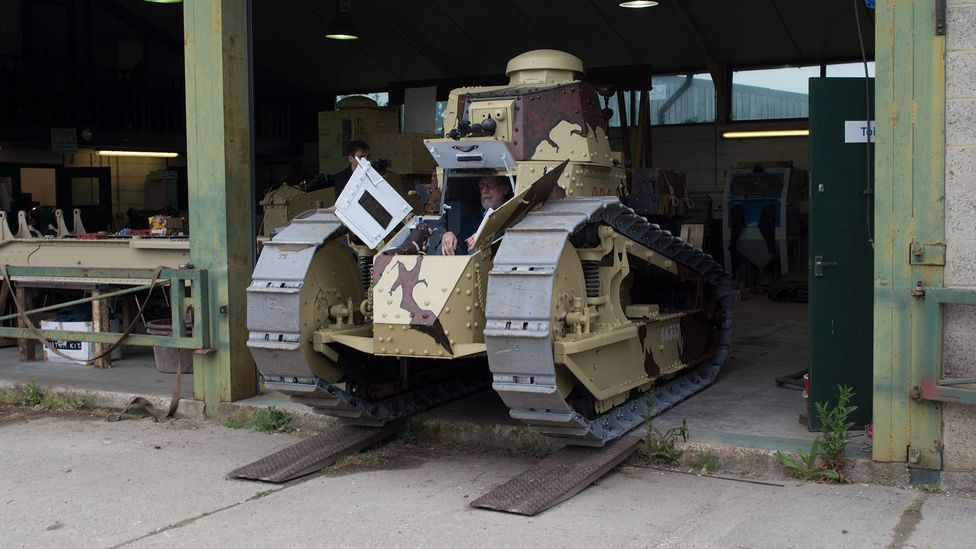 Engineer and driver Martin Trowsdale slowly guides the tank down ramps from the workshop (Credit: Stephen Dowling)