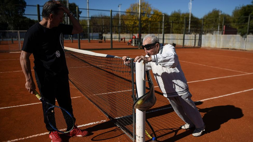 Can't stop, won't stop. Armenian-born Argentine 100-year-old Artyn Elmayan stretches before a tennis session (Credit: Getty Images)