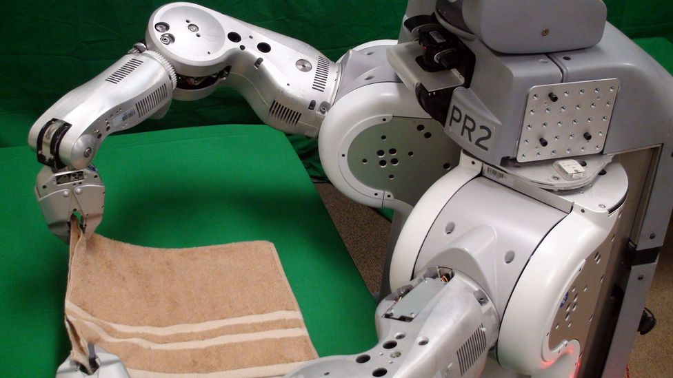Folding a single towel may take this robot 15 minutes, but the technology's importance goes beyond laundry (Credit: Berkeley AI Research Lab/Berkeley Robot Learning Lab)